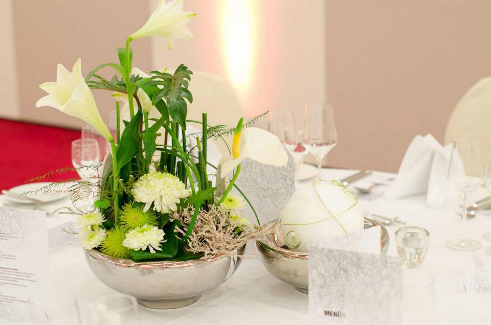 Beispiel: Individuelle Dekoration für die Hochzeit, Foto: Blumen Sonn.
