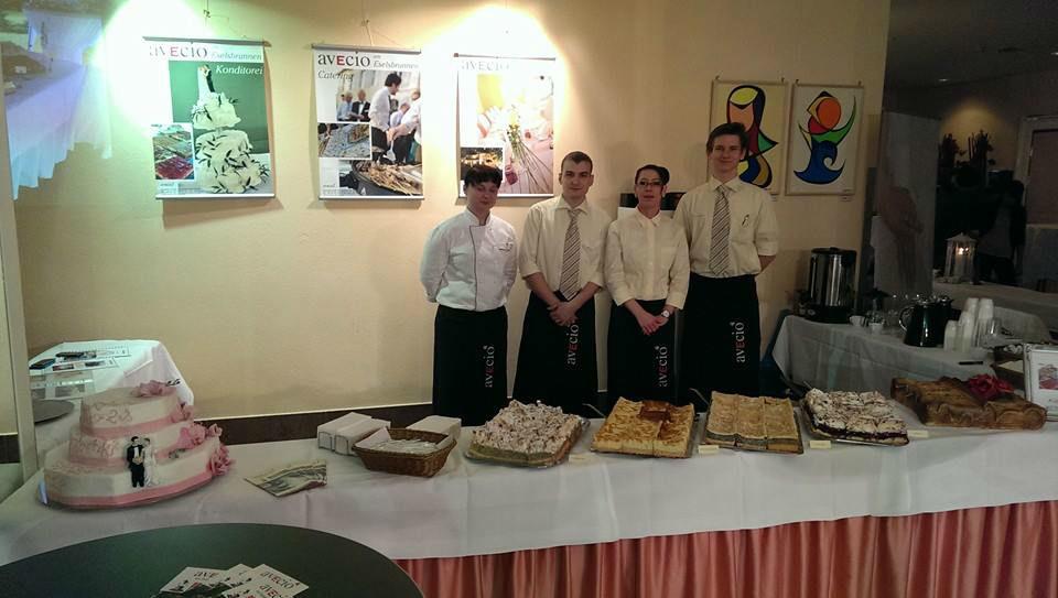 Beispiel: Tortenbuffet, Foto: Avecio Café.
