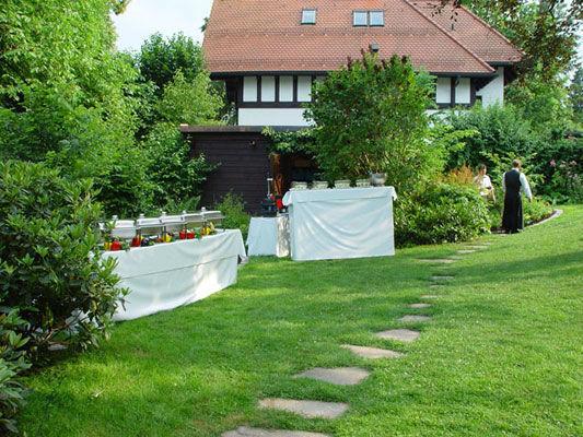 Beispiel: Buffet im Garten, Foto: allincluded catering.