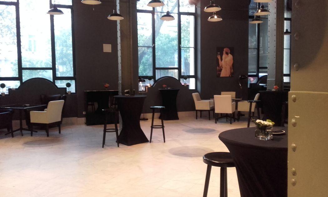 Zona interior Palacio de Cibeles. Montaje cocktail. Espacio Colección.
