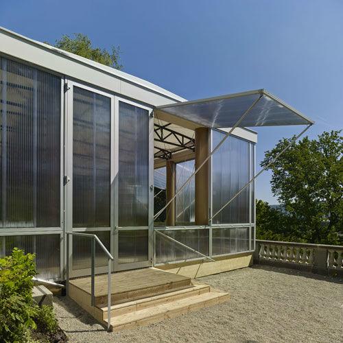 Beispiel: Möglichkeit zum Öffnen der Fenster und Haupteingang, Foto: Museum Rietberg.
