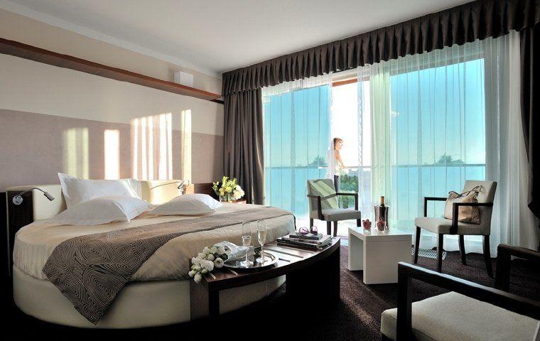 Beispiel: Luxuriöse Hotelzimmer, Foto: Escapio.