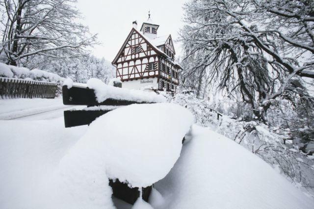 Beispiel: Außenansicht im Winter, Foto: Die Falkenburg.