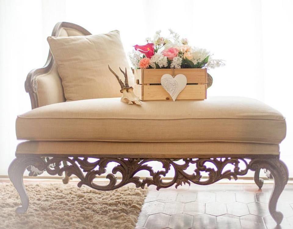 Bodas & Alegria Centros de mesa y sofá para una de nuestras bodas!