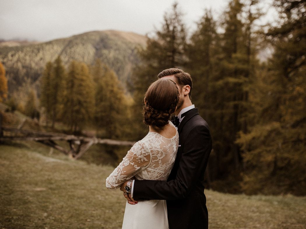 Mountain Wedding Hair and Make-up by www.beautiful-bride.ch Photography by www.yannickzurflueh.com