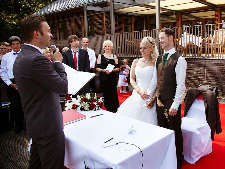 Beispiel: Individuelle Reden zur Hochzeit, Foto: Die freie Trauung Hendrik Zietz.