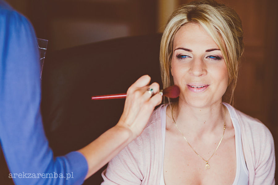 Ela Zimniak makeup and hair