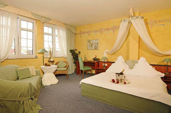 Beispiel: Hochzeitssuite, Foto: Gasthof Alt Engelsdorf.