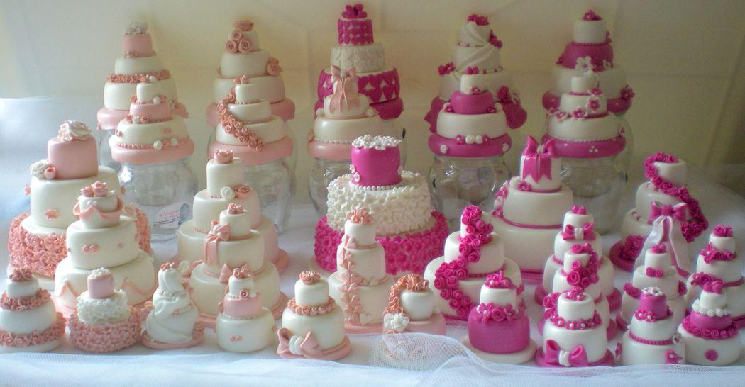 Minicake realizzate e decorate a mano, in pasta di mais. Disponibili esclusivamente su prenotazione