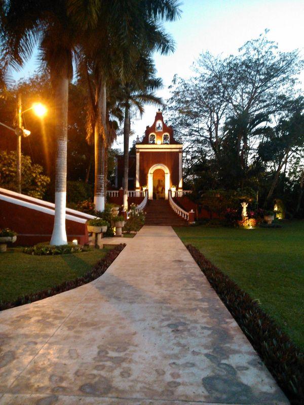 Hermosa capilla que puede ser escenario para boda civil.