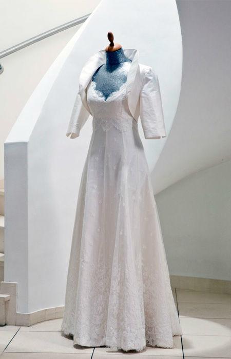 Beispiel: Wunderschöne Hochzeitskleider, Foto: Rieth-Couture.