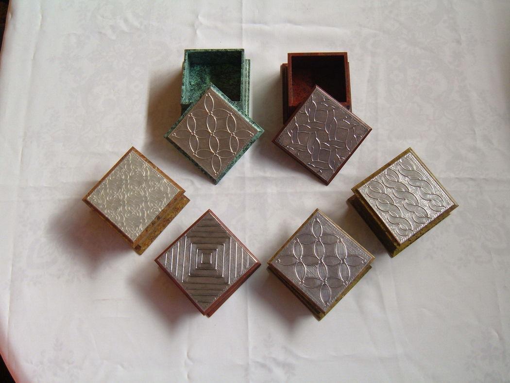 Caja 10x10 cms., aluminio