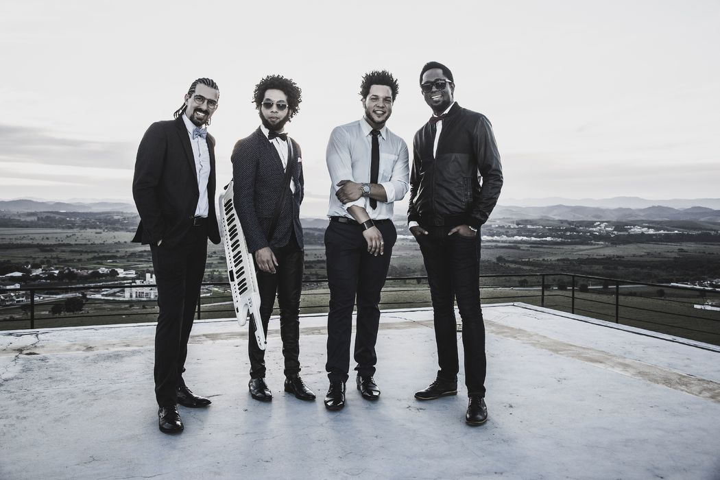 Luguta (Bateria), Herbert Medeiros (Teclados), Luciano Ribeiro (Baixo), Régis Paulino (Vocal)
