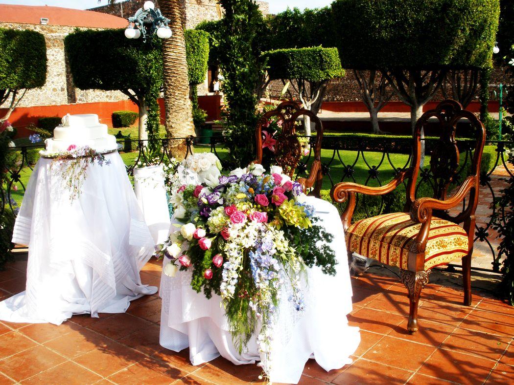 Mantelería y florería de lujo