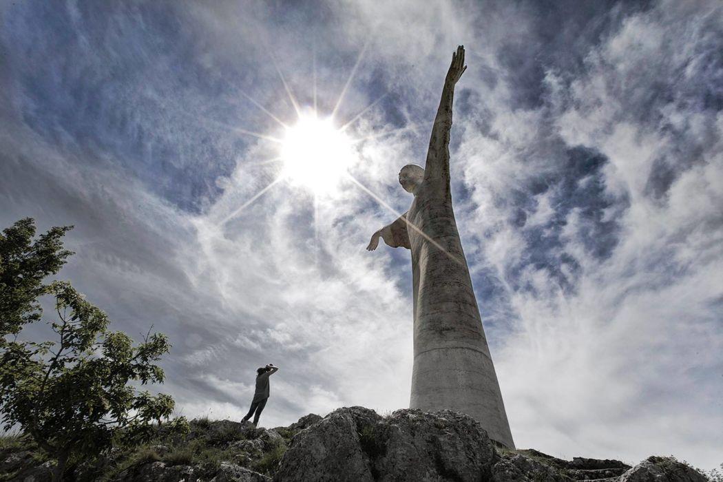 Grand Hotel Pianeta Maratea - la statua del Cristo Redentore   - photo: riccardorussophoto.it
