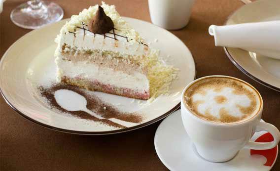 Beispiel: Kaffee und Kuchen, Foto: Schloss Fachsenfeld.