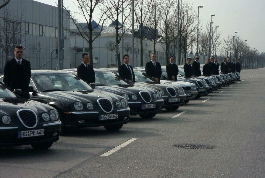 Beispiel: Jaguar Limousinen mit Chauffeuren, Foto: G&P Limousinenservice.