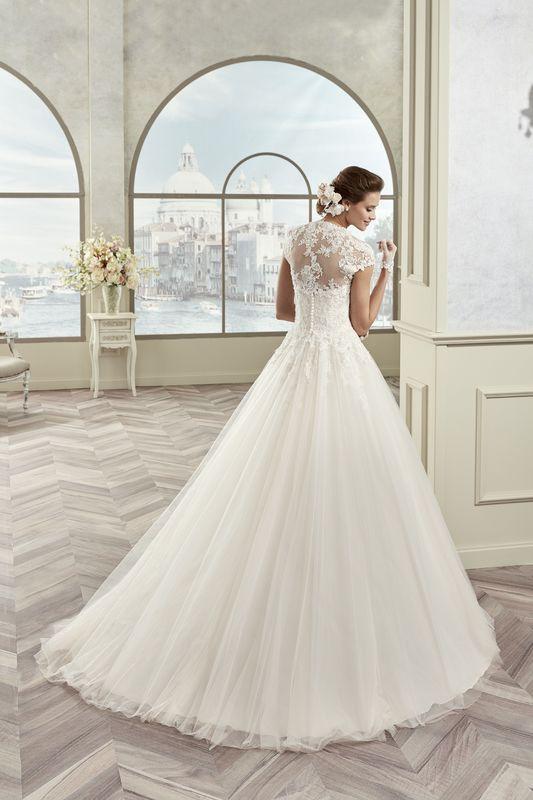 Kleid von Colet Nicole Fashion Group
