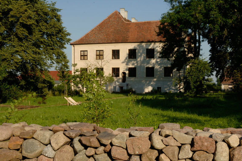 Beispiel: Ansicht Ostflügel, Foto: Schloss Schmarsow.