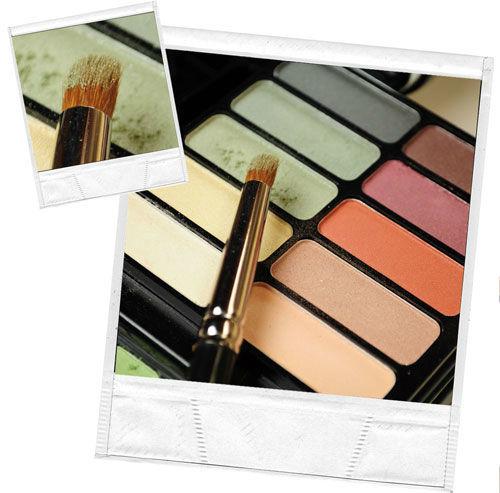 Beispiel: Make-up Utensilien, Foto: Personal Makeup Artist.