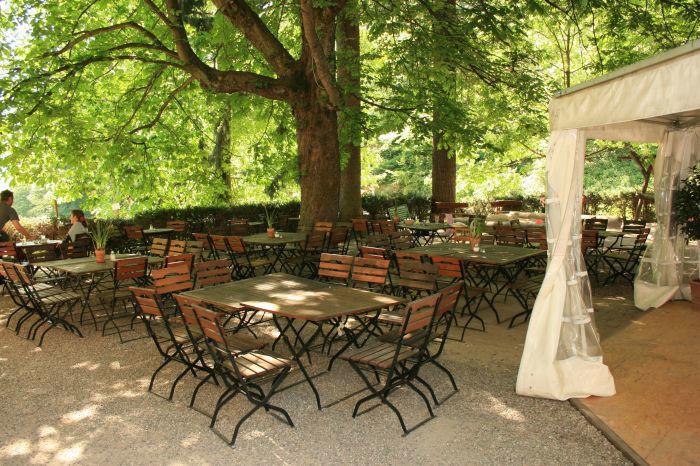 Beispiel: Terrasse, Foto: Waldrestaurant St. Ottilien.