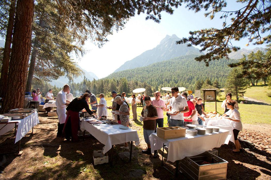 Beispiel: Catering im Park, Foto: Hotel Villa Post.