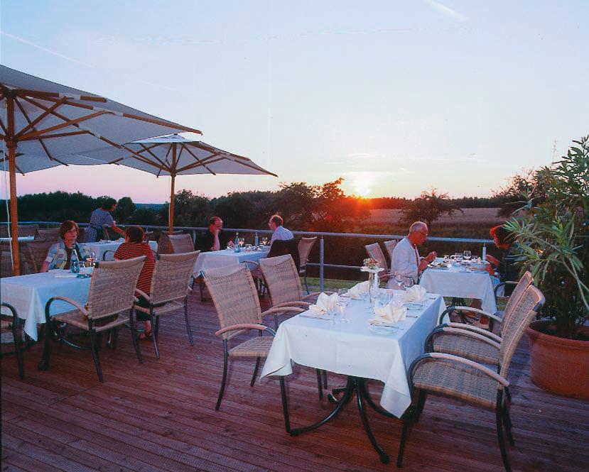Beispiel: Terrasse, Foto: Klostergasthof Roggenburg.