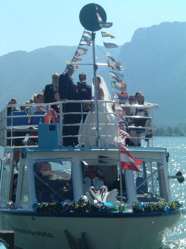 Beispiel: Hochzeitsgesellschaft, Foto: Mondsee Schifffahrt.