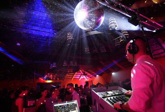 Beispiel: DJ IVO, Foto: DJ IVO.