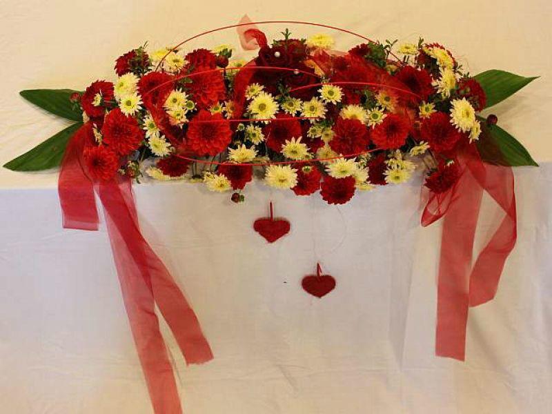 Beispiel: Hochzeitsschmuck, Foto: Blumen Hildebrand.