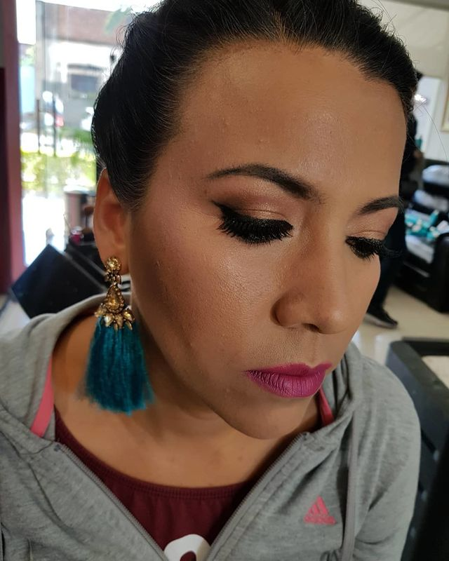 Daniel Leon Hair & Make Up Studio