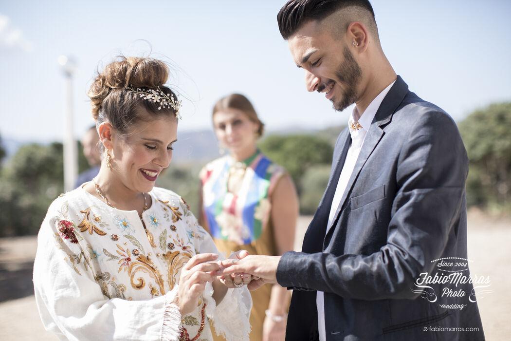 wedding planner: Antonella Carta Crea Eventi   gioielli: Alessandro Chiappetti   Make-up & Hair Style: Sexy In The City Hair&Spa Paola Troncia   Vini: Vigneti Piero Mancini   Catering: Al miele   Stiliste: Chiglo   Video: Dr. Spot