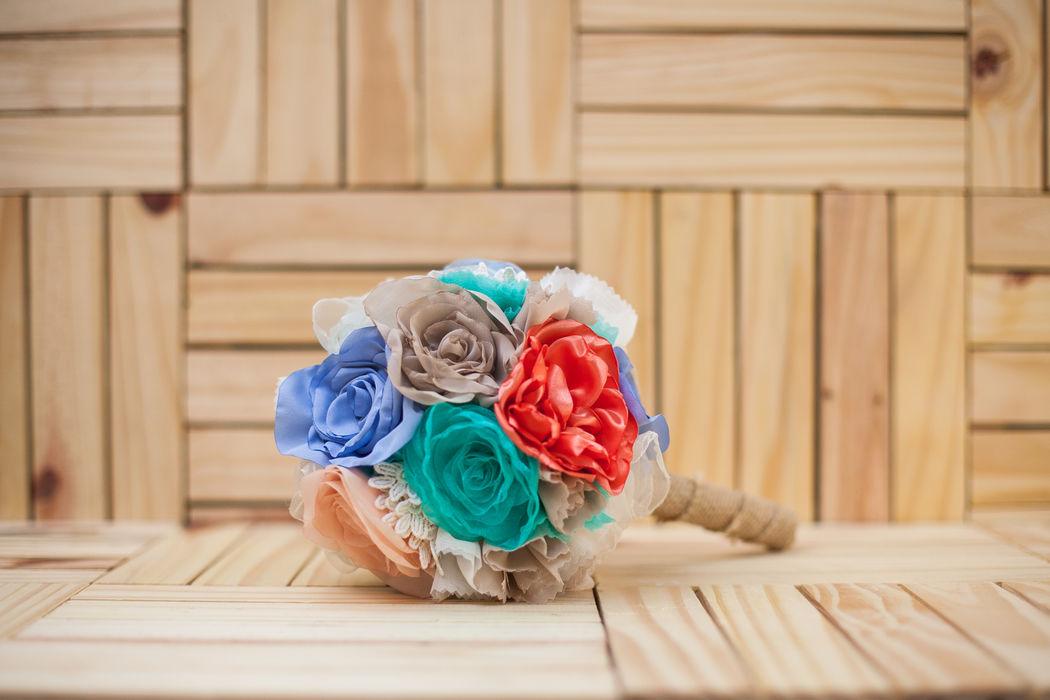 Buquê Laila - Rosas em Tecido