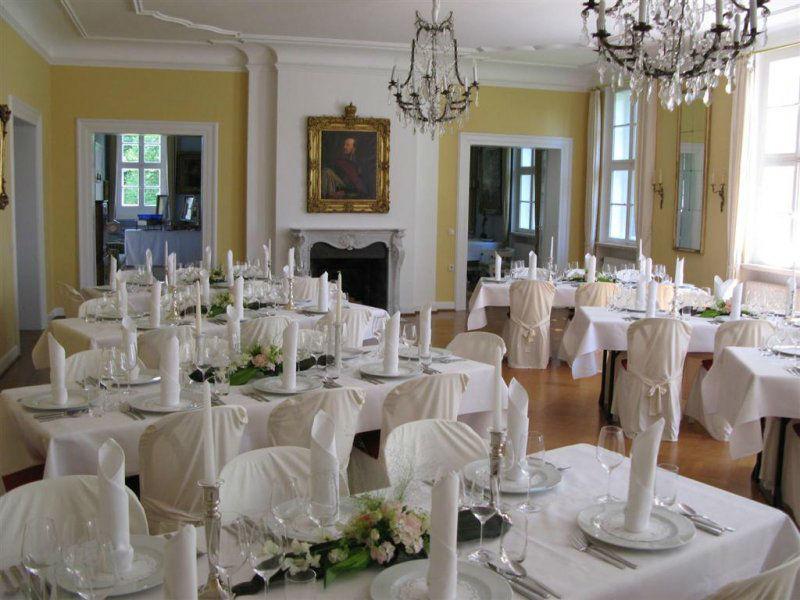 Beispiel: Hochzeitsgedeck, Foto: Gut Sennickerode.