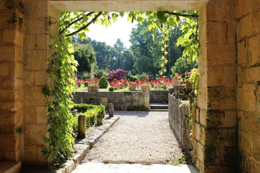 accès aux jardins depuis le couloir parloir