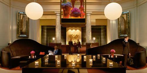 Beispiel: Lobby des Hotels, Foto: Hotel de Rome.