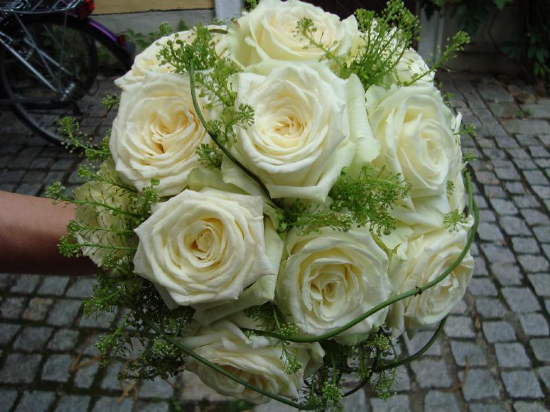 Beispiel: Der passende Brautstrauß, Foto: Blumen Gran.