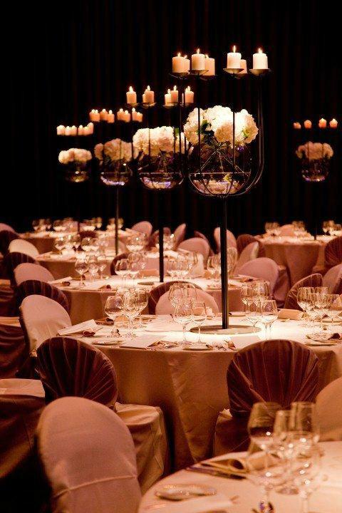 Beispiel: Tischdekoration im Ballsaal, Foto: Park Hyatt Zürich Hotel.