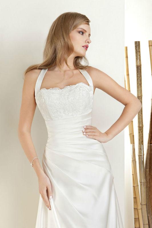 Robe de mariée Orea Sposa par votre boutique Confidence Mariage