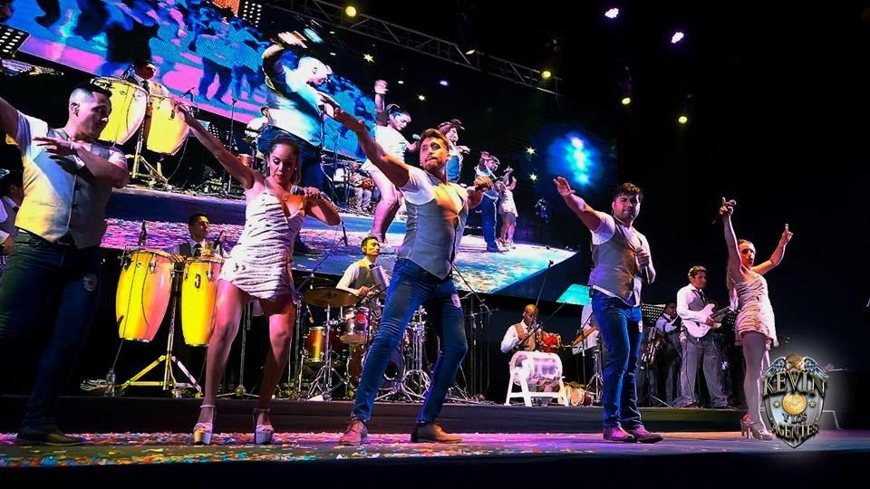 Kevin y Los Agentes Orquesta Show