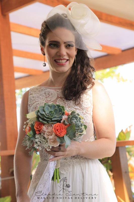 Claudia Santana Noivas