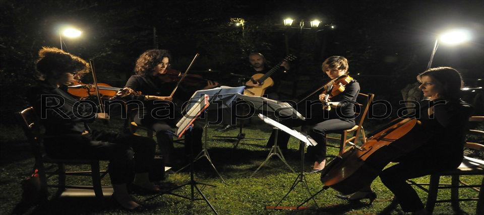 Intrattenimenti musicali per eventi e ricevimenti di matrimonio Romadjpianobar info@romadjpianobar.com http://www.romadjpianobar.com Musica dal vivo - Musica classica