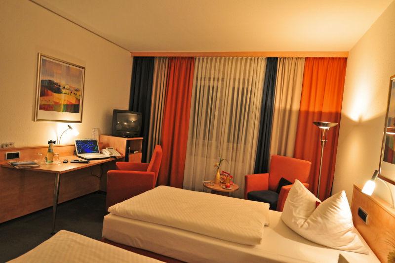 Beispiel: Zimmer, Foto: AKZENT Hotel Stadt Schlüchtern.