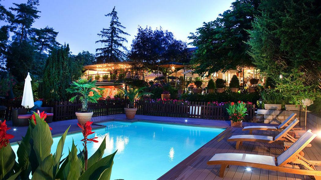 Les clos de chaponost mariage for Restaurant piscine