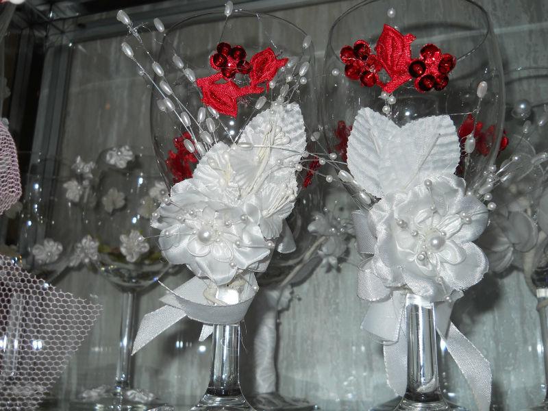 Beispiel: Dekorierte Hochzeitsgläser, Foto: Arkadas Dekorasyon.