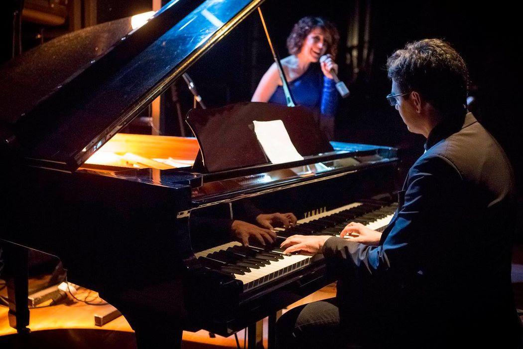 Pianista y cantante