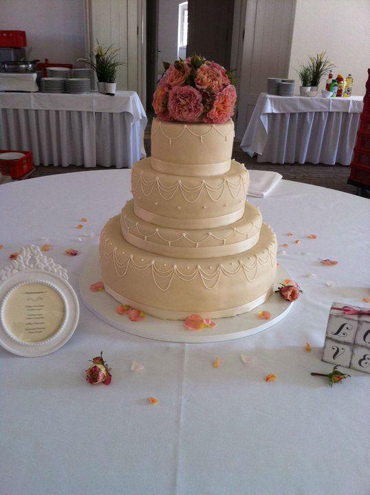 Beispiel: Edle Torten, Foto: Unsere Hochzeitstorte.