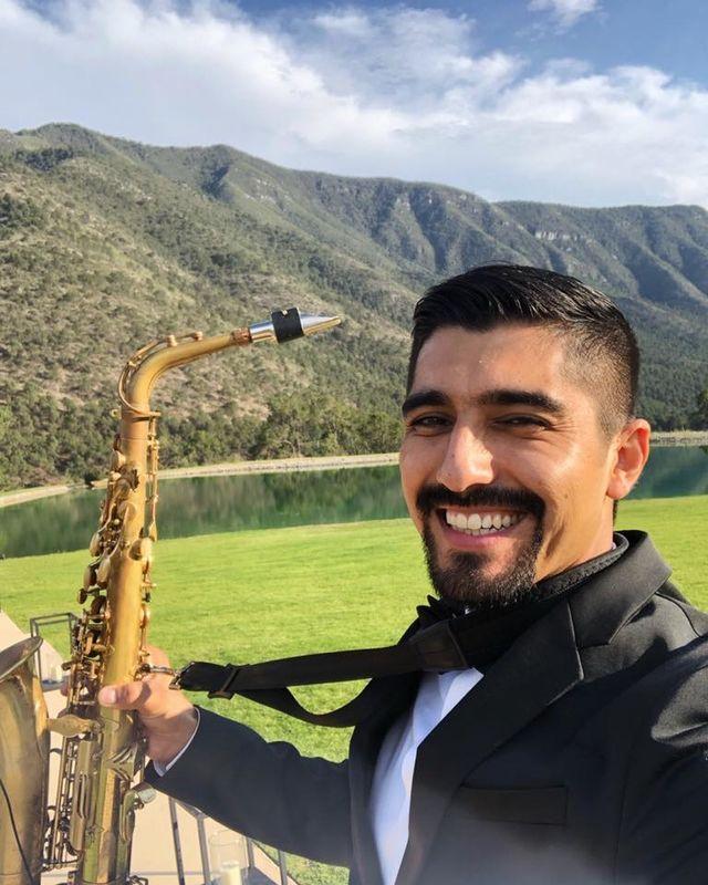Alexis Dávila Saxofonista