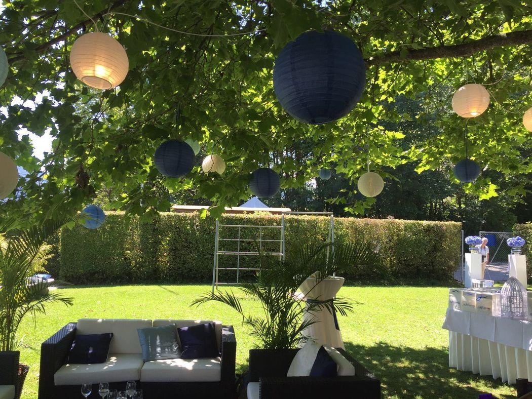 Baumdekoration: blau/weiss