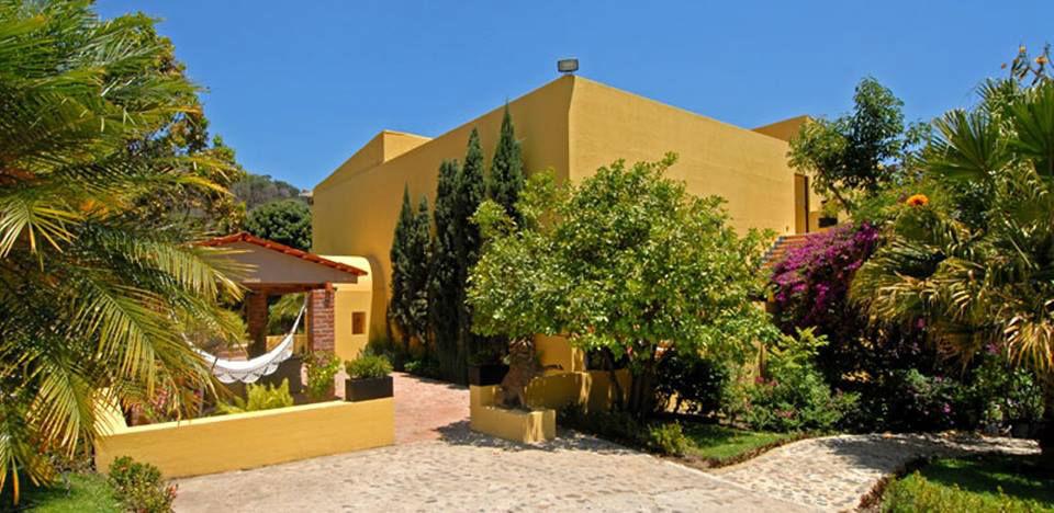 Villa Azalea Inn & Organic Farm